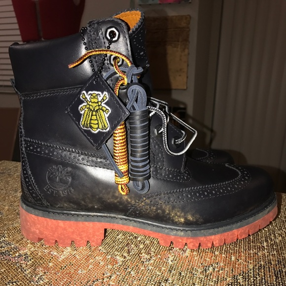 Pharrell Williams x Timberland Bee line NWT
